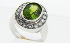 Lady's Peridot Diamond Ring