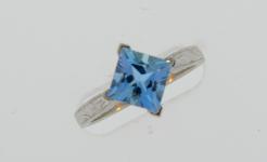 Lady's Aquamarine Engagment Ring